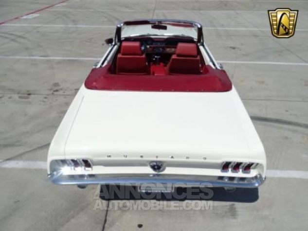 Ford Mustang 1967 Blanc Occasion - 9