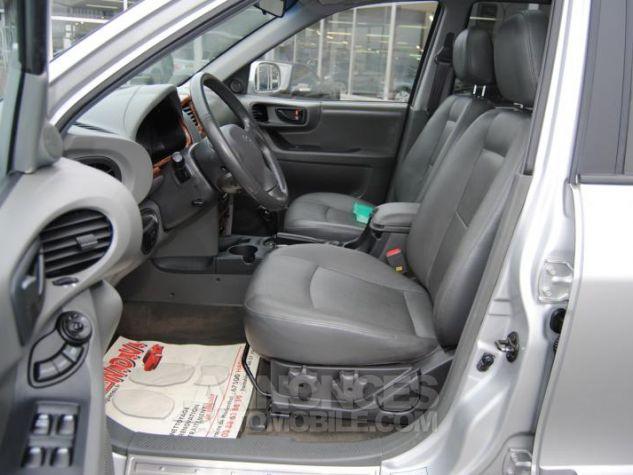 Hyundai SANTA FÉ CRDI PACK LUXE 125 CH 4WD BA Gris Clair Occasion - 5