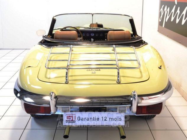 Jaguar E-Type Type E Cabriolet 4.2L Pale Primerose Yellow Occasion - 5