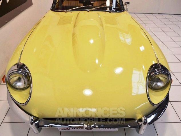 Jaguar E-Type Type E Cabriolet 4.2L Pale Primerose Yellow Occasion - 12