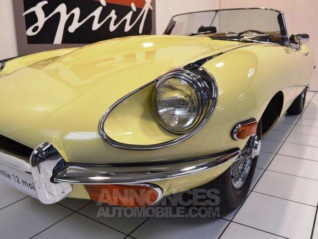 Jaguar E-Type Type E Cabriolet 4.2L Pale Primerose Yellow Occasion - 13