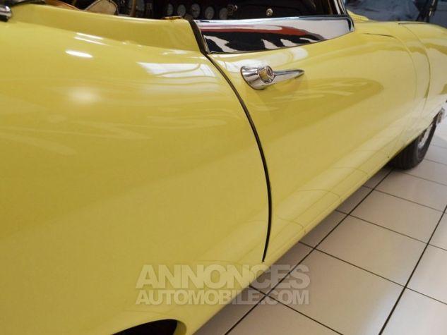 Jaguar E-Type Type E Cabriolet 4.2L Pale Primerose Yellow Occasion - 22