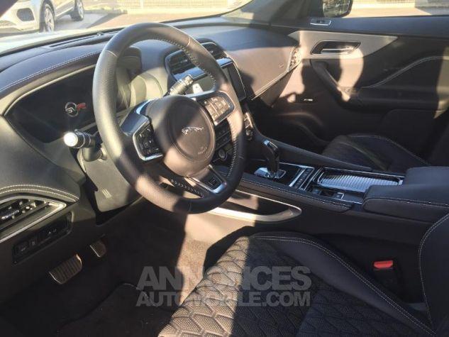 Jaguar F-Pace V8 5.0 Supercharged 550ch SVR AWD BVA8 Gris Occasion - 3