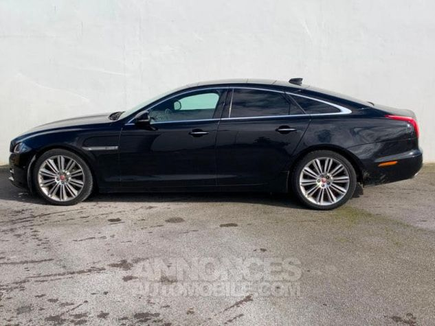 Jaguar XJ 3.0D V6 300 Portfolio Noir (ULTIMATE BLACK) Occasion - 2