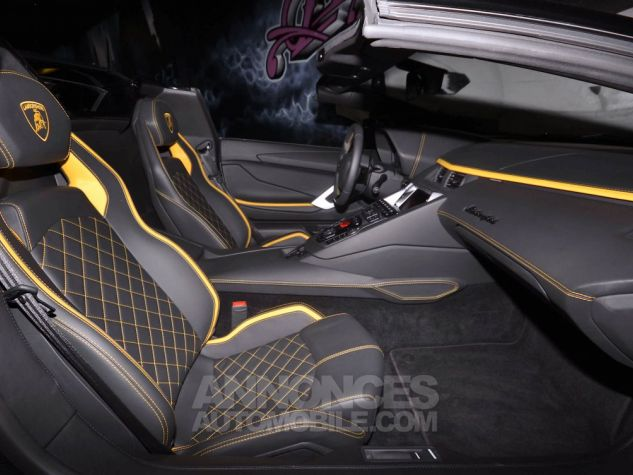 Lamborghini Aventador S Roadster V12 LP 740-4 JAUNE METAL Occasion - 9