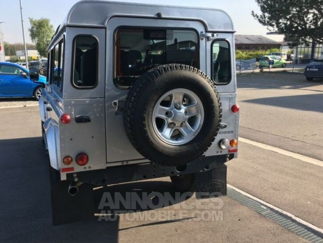Land Rover Defender 110 SW SE 7 Places Gris métallisé Occasion - 4