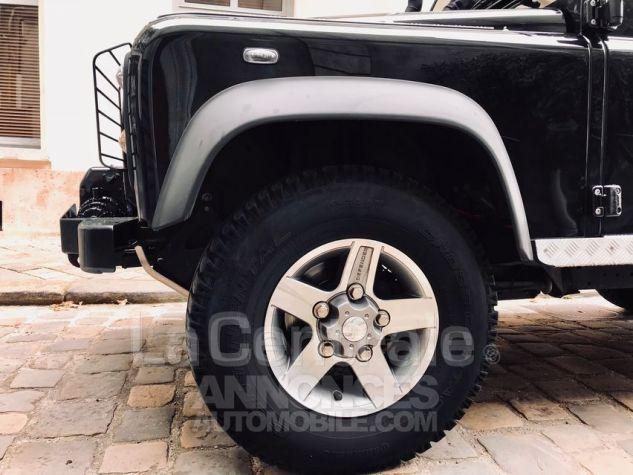Land Rover Defender 4 UTILITAIRE IV 2.2 TD SE MARK 3 EDEN PARK Noir Metal Occasion - 4
