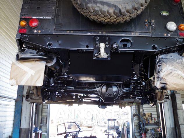 Land Rover Defender 90 TD5 SW Préparé Noir Occasion - 19