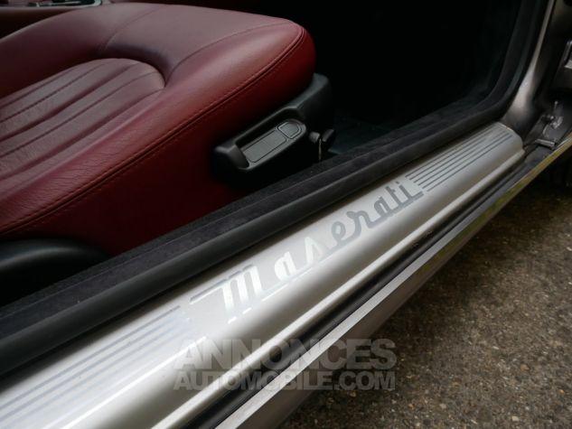 Maserati Coupe 4200 Cambiocorsa, Première main, Carnet complet Argent métallisé Occasion - 17