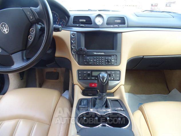 Maserati GranTurismo 4.2LBVA ZF 405PS / GPS BIXENON SKYHOOK bleu met Occasion - 11