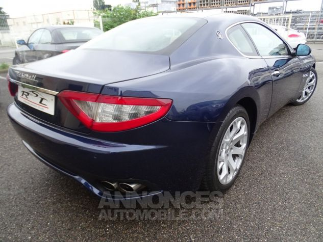 Maserati GranTurismo 4.2LBVA ZF 405PS / GPS BIXENON SKYHOOK bleu met Occasion - 21
