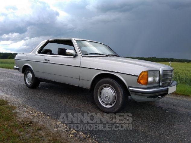 Mercedes 280 CE Coupé gris Occasion - 17