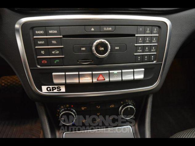 Mercedes CLA 180 d Business 7G-DCT NOIR COSMOS Occasion - 11