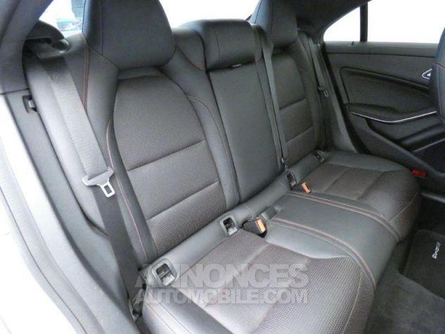 Mercedes CLA 200 CDI Fascination 4Matic 7G-DCT Gris Montagne Occasion - 17