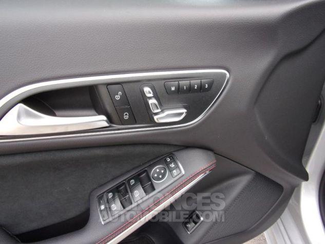 Mercedes CLA 200 d Fascination 7G-DCT Euro6c BLEU CAVANSITE Neuf - 5