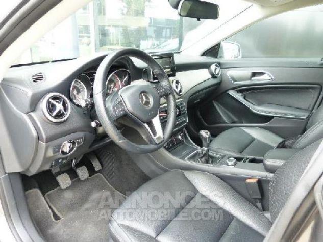 Mercedes CLA 200 d Inspiration ARGENT POLAIRE Occasion - 4