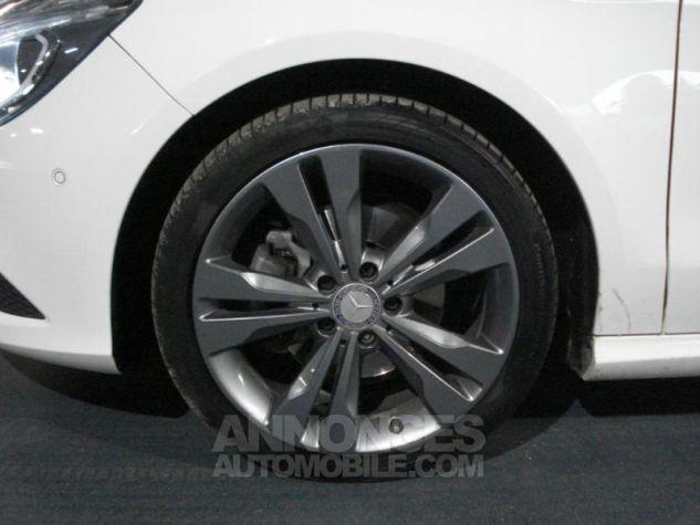 Mercedes CLA 220 CDI Sensation 7G-DCT blanc calcite Occasion - 13
