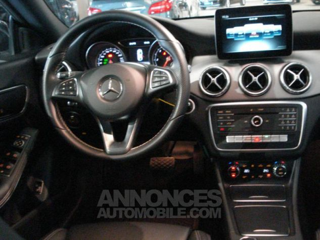 Mercedes CLA d Sensation 7G-DCT noir cosmos metal Occasion - 4