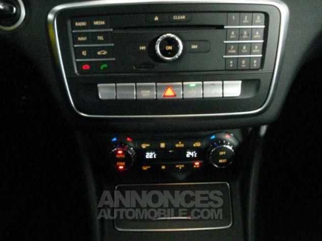 Mercedes CLA d Sensation 7G-DCT noir cosmos metal Occasion - 11