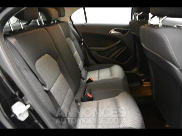 Mercedes CLA Shooting Brake 180 d Business BLEU CAVANSITE Occasion - 11