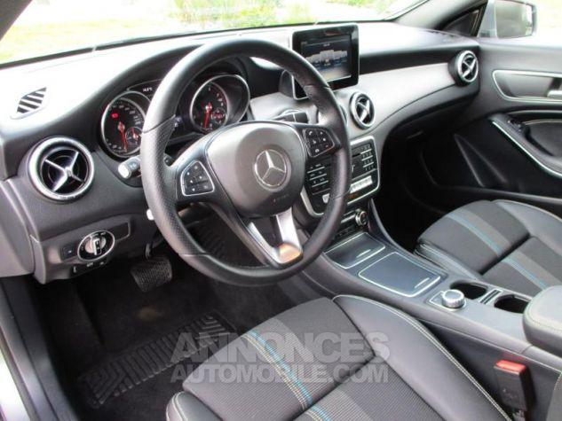 Mercedes CLA Shooting Brake 180 Sensation 7G-DCT Gris Montagne Occasion - 2