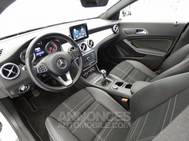 Mercedes CLA Shooting Brake 200 d Sensation Blanc Cirrus Occasion - 7