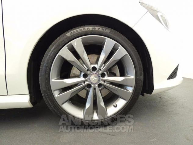Mercedes CLA Shooting Brake 200 d Sensation Blanc Cirrus Occasion - 17