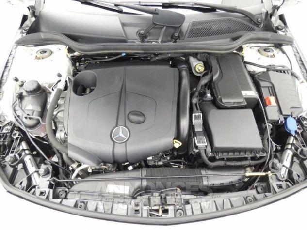 Mercedes CLA Shooting Brake 200 d Sensation Blanc Cirrus Occasion - 18