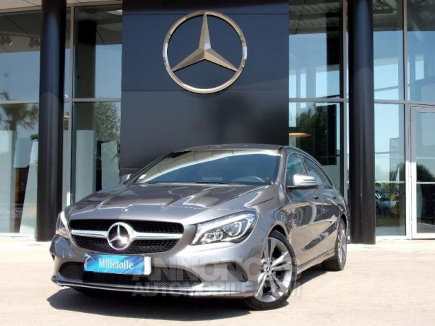 Mercedes CLA Shooting Brake 200 d Sensation 7G-DCT Gris montagne Occasion - 0