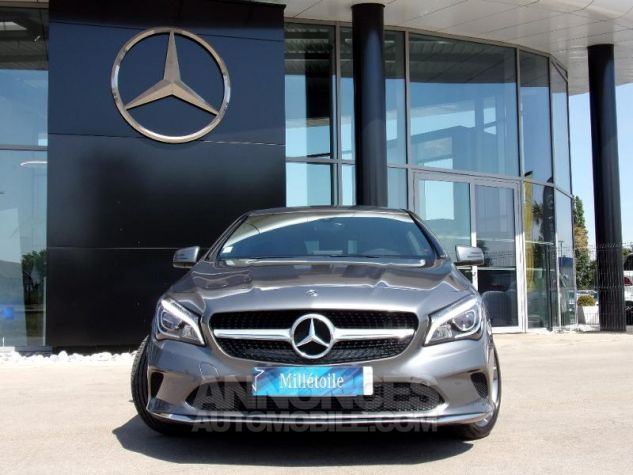 Mercedes CLA Shooting Brake 200 d Sensation 7G-DCT Gris montagne Occasion - 11