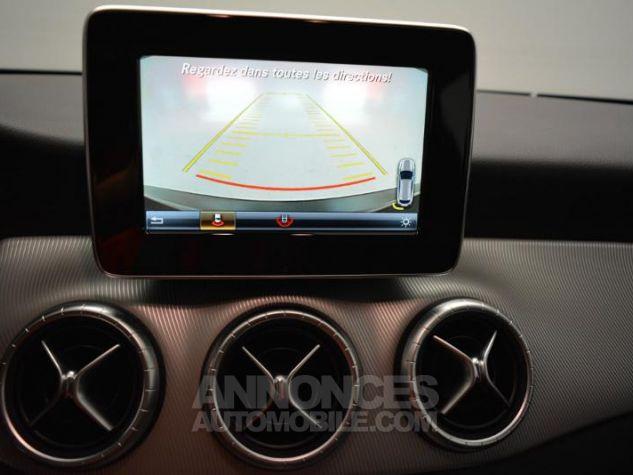 Mercedes CLA Shooting Brake 200 d Sensation 7G-DCT Noir Métal Occasion - 3