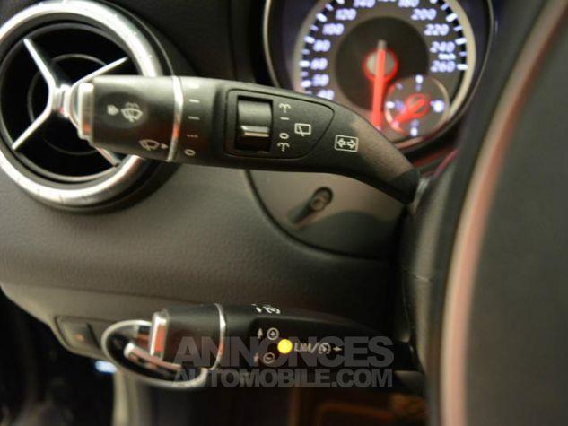 Mercedes CLA Shooting Brake 200 d Sensation 7G-DCT Noir Métal Occasion - 4