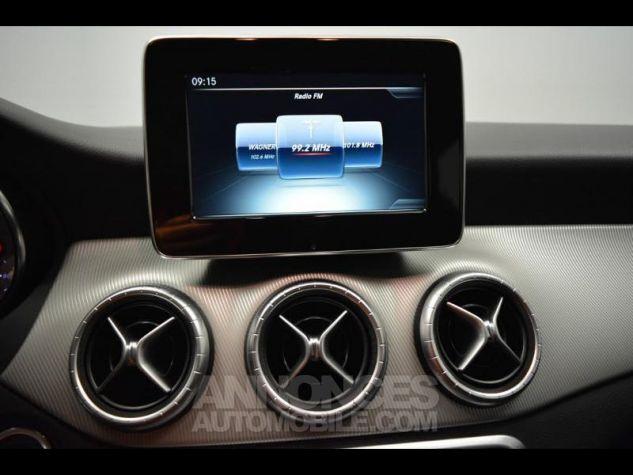 Mercedes CLA Shooting Brake 200 d Sensation 7G-DCT Noir Métal Occasion - 12