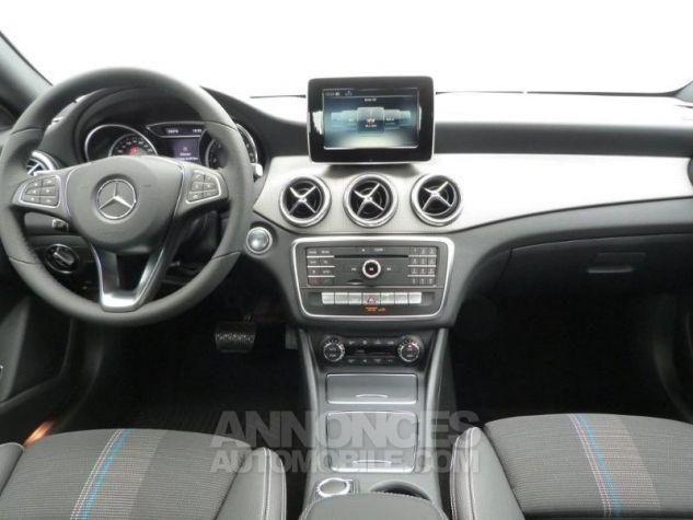 Mercedes CLA Shooting Brake 200 Sensation 7G-DCT Gris montagne métallisé Occasion - 2