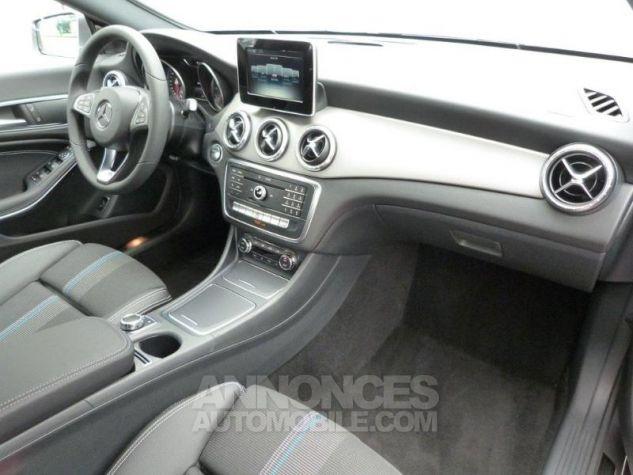 Mercedes CLA Shooting Brake 200 Sensation 7G-DCT Gris montagne métallisé Occasion - 3