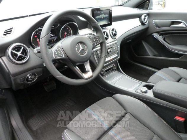 Mercedes CLA Shooting Brake 200 Sensation 7G-DCT Gris montagne métallisé Occasion - 6