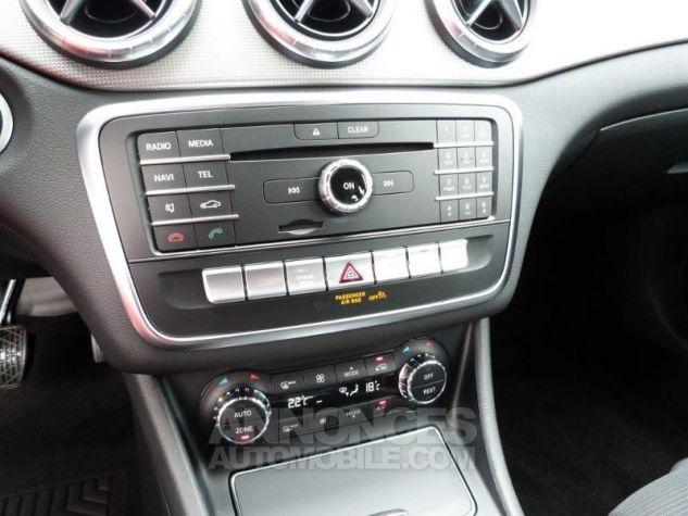 Mercedes CLA Shooting Brake 200 Sensation 7G-DCT Gris montagne métallisé Occasion - 9