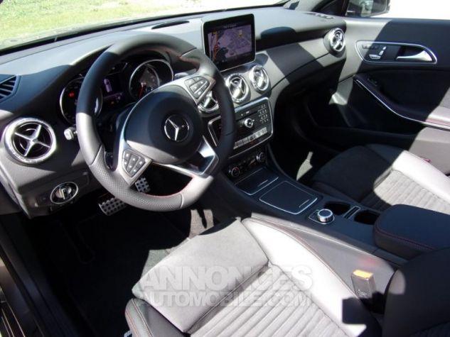 Mercedes CLA Shooting Brake 220 d Fascination 7G-DCT Gris montagne métallisé Neuf - 2