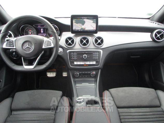 Mercedes CLA Shooting Brake 220 d Fascination 7G-DCT Argent Polaire métallisé Occasion - 6