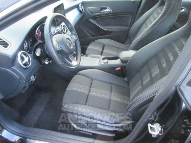 Mercedes CLA Shooting Brake 220 d Sensation 7G-DCT NOIR COSMOS Occasion - 3