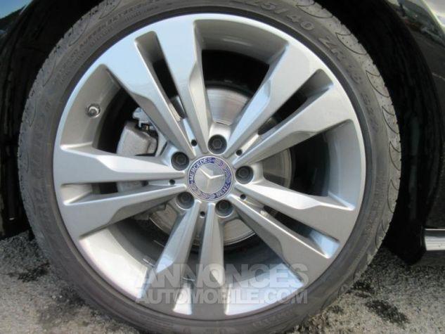 Mercedes CLA Shooting Brake 220 d Sensation 7G-DCT NOIR COSMOS Occasion - 6