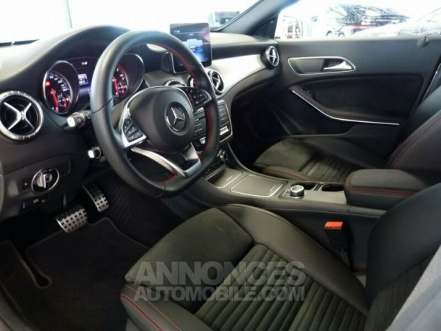 Mercedes CLA Shooting Brake 220d Pack AMG Blanc Occasion - 6