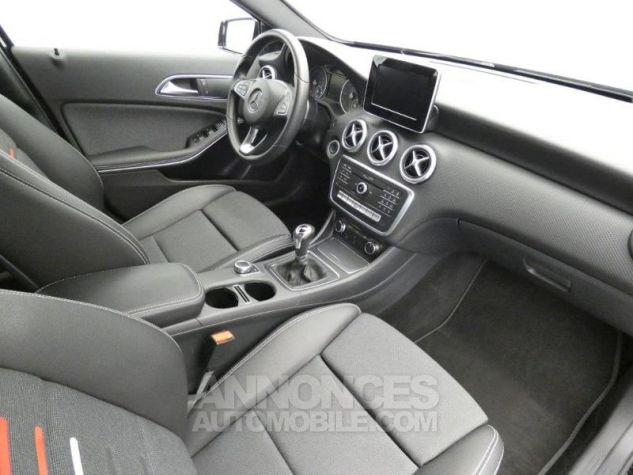 Mercedes Classe A 160 d Inspiration Noir Cosmos Occasion - 3