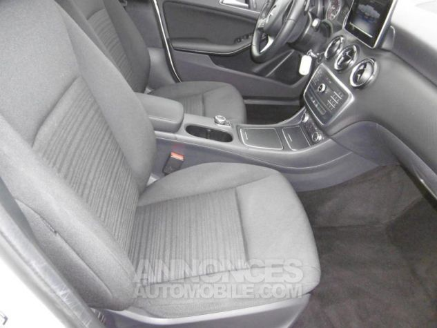 Mercedes Classe A 160 Intuition 7G-DCT blanc cirrus Occasion - 4