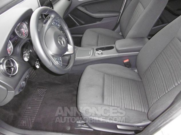Mercedes Classe A 160 Intuition 7G-DCT blanc cirrus Occasion - 5