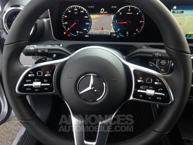Mercedes Classe A 180 d 116ch Progressive Line 7G-DCT Argent iridium métallisé Occasion - 17