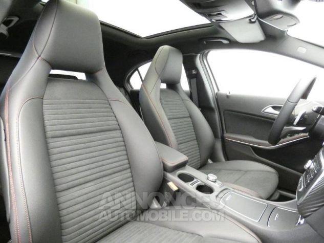 Mercedes Classe A 180 d Fascination 7G-DCT Gris montagne métallisé Occasion - 4