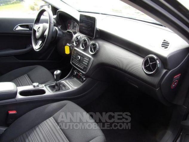 Mercedes Classe A 180 d Intuition Gris Montagne Occasion - 3