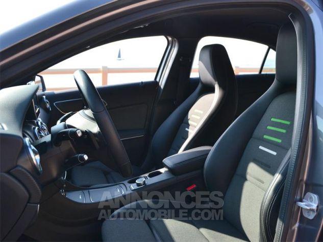 Mercedes Classe A 200 d Sport Edition 7G-DCT Gris Montagne Occasion - 4