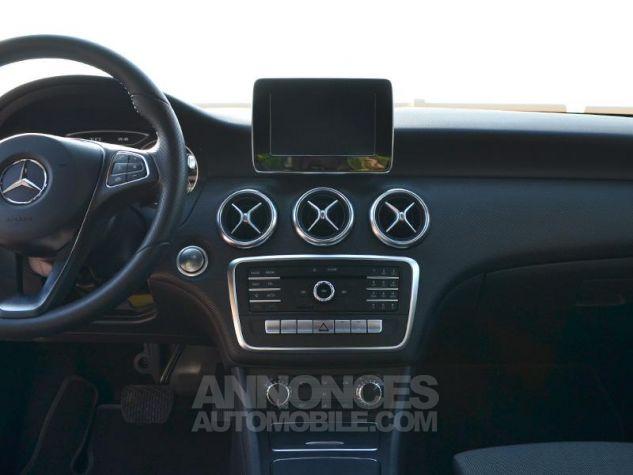 Mercedes Classe A 200 d Sport Edition 7G-DCT Gris Montagne Occasion - 11